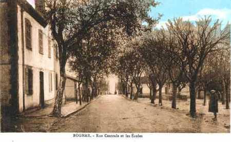 BOGHAR La rue Centrale et les Ecoles