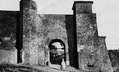 BOUGIE - Une Porte
