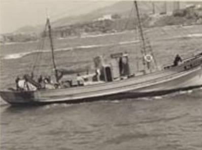 BOU-HAROUN L'exode des chalutiers le 5 juin 1962