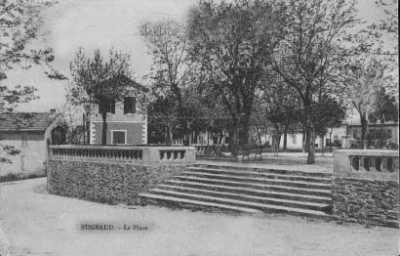 BUGEAUD - La Place centrale