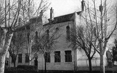 CHATEAUDUN-du-RUMMEL - Une des Ecoles