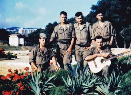 Militaires du CIT 160.  Photo G. Chaurin