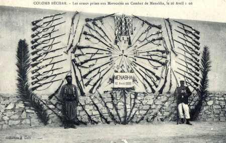 Colomb-Bechar  Les armes prises aux Marocains  au combat de Menabha, le 16 avril 1908