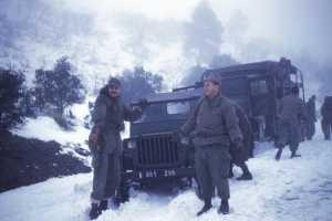 Sous Lieutenantt Marcel PICARD  et le  Capitaine GIRARD dans la neige de Kabylie