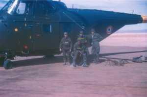 Commandos devant un H 19 de l'ALAT
