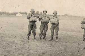 3 hommes du CPA 20  sur l'une des zones de saut de Blida