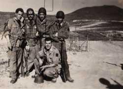 1960. Retour de patrouille En zone interdite. Poste de Ben-Kerama.