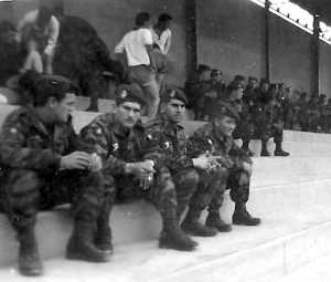 Paras au stade de Batna en 1960