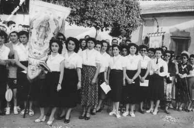 FLEURUS 1950 - Procession des Enfants de Marie