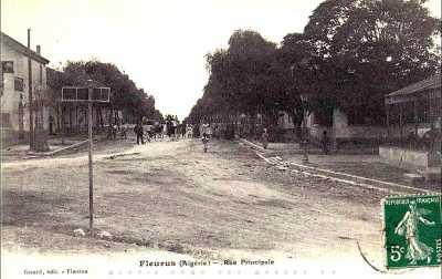 FLEURUS - la rue Principale