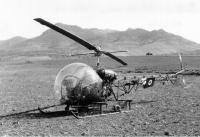 Hodna, le 17 avril 1957.  Un Agusta-Bell. Photo Jean Claude Guillermin