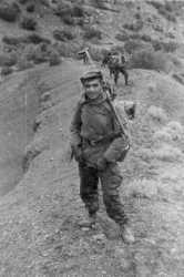 Hussard Claude PISANO avec une AA 52. Photo Claude PISANO