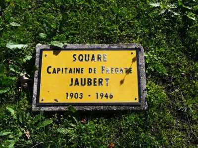ARCACHON Square en hommage au Capitaine JAUBERT