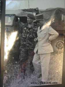 1958 Le Lieutenant Colonel JEANPIERRE et le Gal LANOILLEUX.