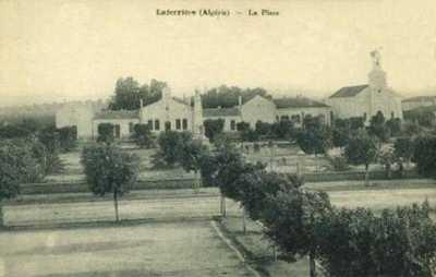 LAFERRIERE - La Place Centrale