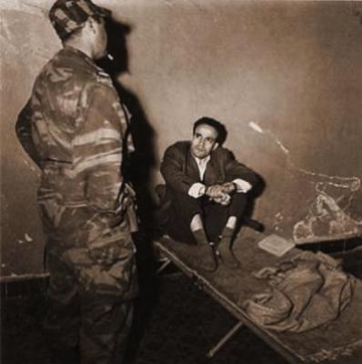 Larbi Ben M'HIDI dans sa cellule