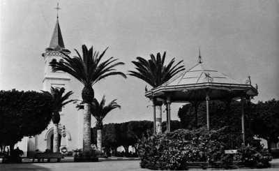 LA SENIA - Place de l EGLISE
