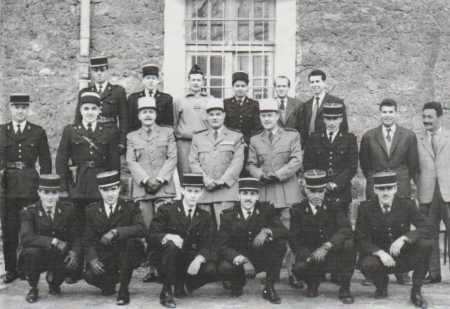 Encadrement de la FAP  au fort de Romainville en 1961 ---- Capitaine Montaner MONTANER  Lieutenant ROUJOUX Lieutenant CHAMPSAVIN