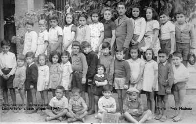 LES ATTAFS - ECOLIERS - 1947