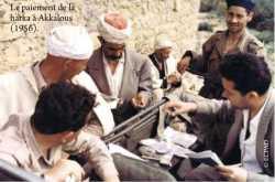 Paiement de la Harka d'Akkalous en 1956.  Source : ECPAD