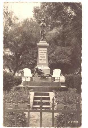 MERCIER-LACOMBE - Le Monument aux Morts
