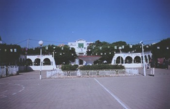 MISSERGHIN - La Place et la Mairie