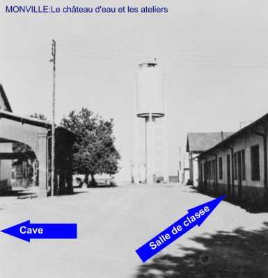 MONVILLE - Le Chateau d Eau et la Cave