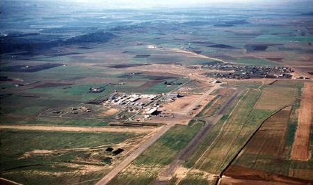 ORLEANSVILLE - Le terrain d aviation