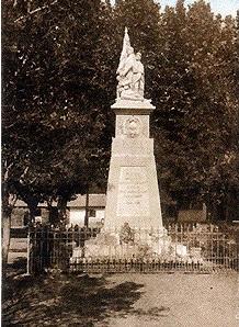 OUED-EL-ALLEUG - Le Monument aux Morts