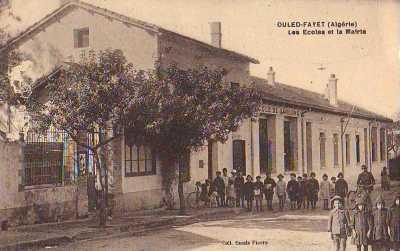 OULED-FAYET - Les Ecoles et la Mairie