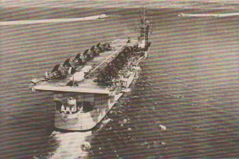 Porte-Avions LA FAYETTE  Sur le pont des CORSAIR F-407