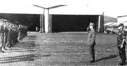 Djidjelli le 10 avril 1961 inspection du Gal LE MASSON