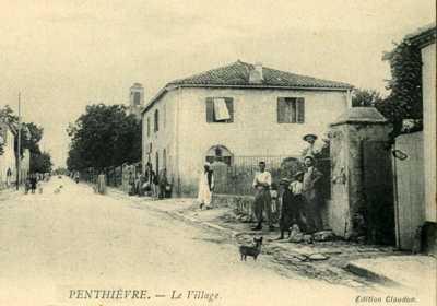PENTHIEVRE - Le Village