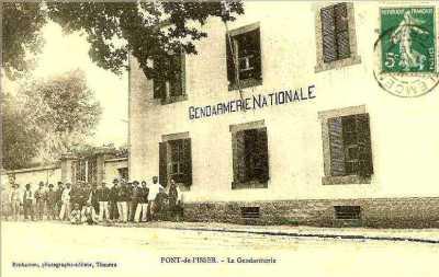 PONT de l'ISSER - La Gendarmerie