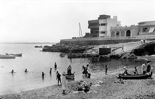 PORT-aux-POULES- le Petit Port en 1920