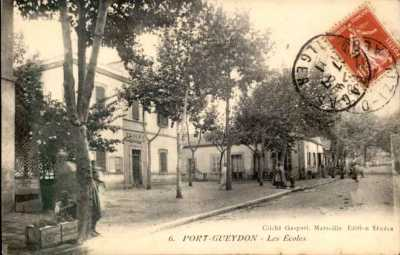 PORT-GUEYDON - Les Ecoles
