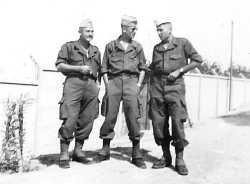 1960 Boghar. Camp Suzzoni De G a D: ESPOSITO-BEUGNON-Paul ISEL