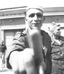 Boghar 1960 Camp Suzzoni. A droite Paul ISEL