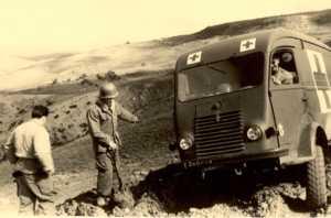 Ambulance prise dans la boue