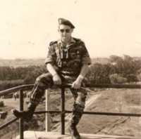 Brigadier Roland SINGERLE sur le toit de la Villa Rose