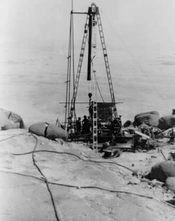 REGGANE - 1959 Forage pour trouver de l'eau