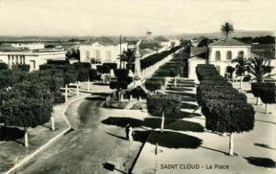 SAINT-CLOUD - La Place Publique