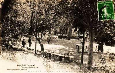 SAINT-CLOUD - Place de la Source