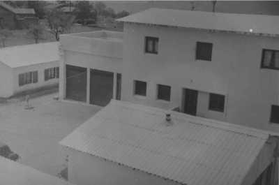 A gauche, maison du lieutenant de la SAS