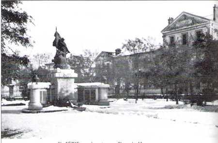 SETIF - Le Monument aux Morts