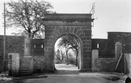 TIARET - Une Porte