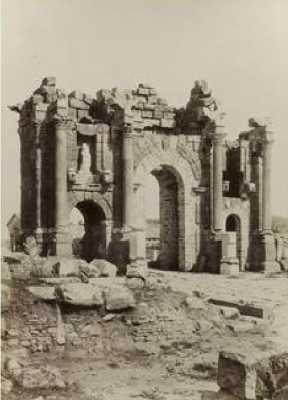 TIMGAD - Arc de Triomphe de TRAJAN