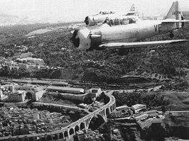 Deux T-6  au-dessus de Constantine en 1959