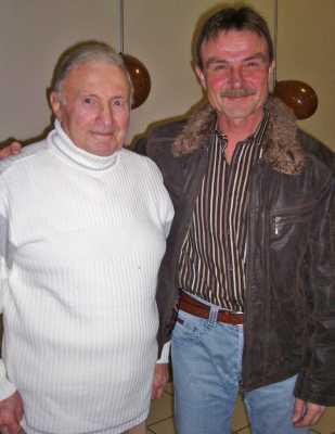 2008 Claude AUTHIE le jour de ses 80 ans avec son fils Patrick