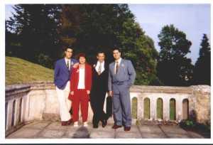 Famille BELACEL en 1999 ---- H'mida, Lallia, Karim et Namir